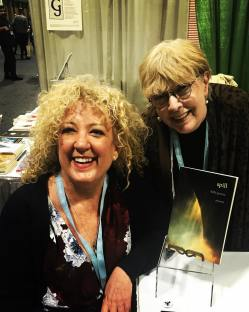 Carol Lynne Knight with Kelle Groom at AWP 2018